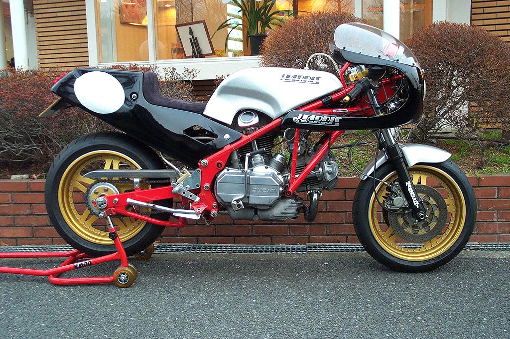 秀逸なる、世界のクラシックバイクが集結する 日本唯一の専門店!!
